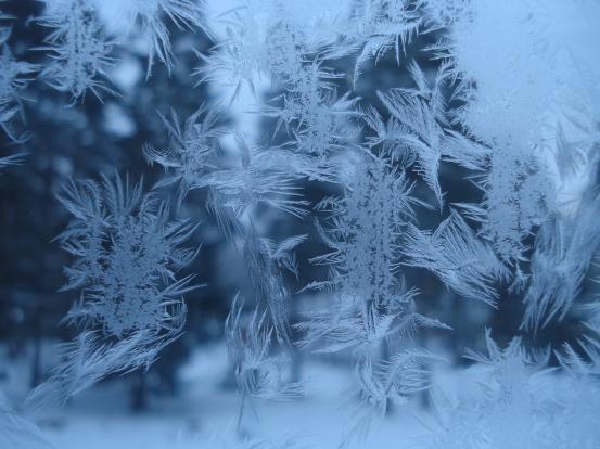 Köksfönstrets iskristaller