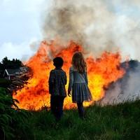 Brinnande bål och Sommarevent