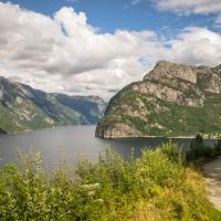 Frafjord och Månafossen