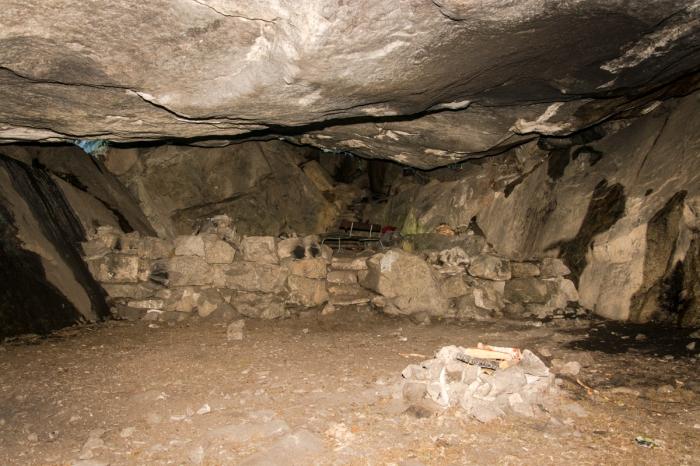 Inne i grottan