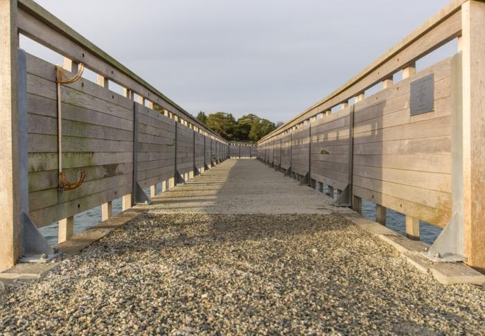 Bron över till Hestholmen