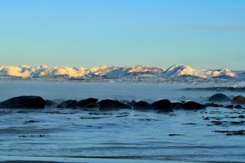 Svarta stenar - vita berg
