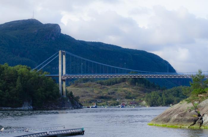 Bron till Randøy