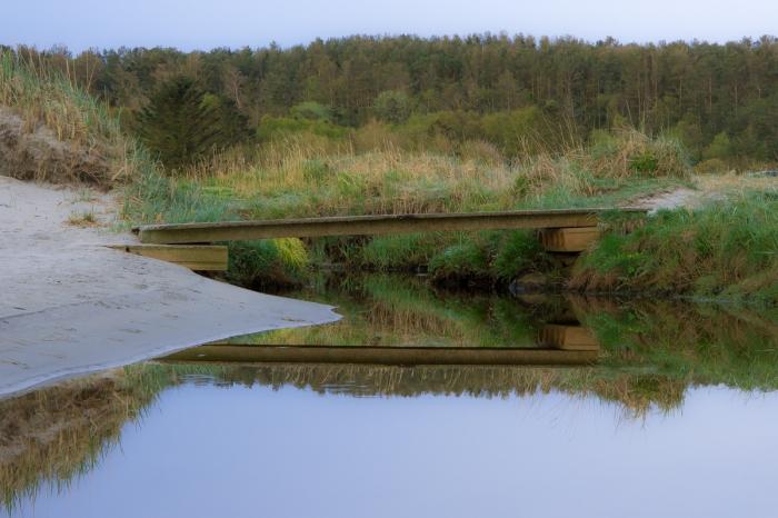 Bron mellan stränderna