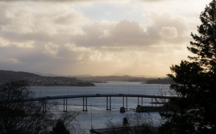Bron över Hafrsfjord