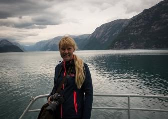 Annika på Lysefjorden