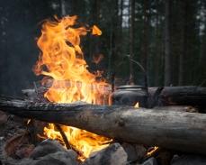 Elden är igång