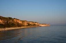 Klippor i morgonsol, Omaha Beach