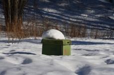 Soptunna i snön