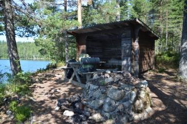 Morgon vid vindskyddet, Östra Skälsjön