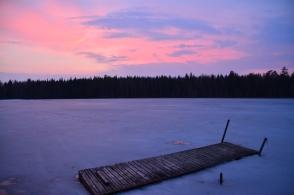 Mörkret faller vid Lilla Älgsjön